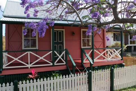 This unique late 1800's Queenslander cottage is ideally positioned within a ...