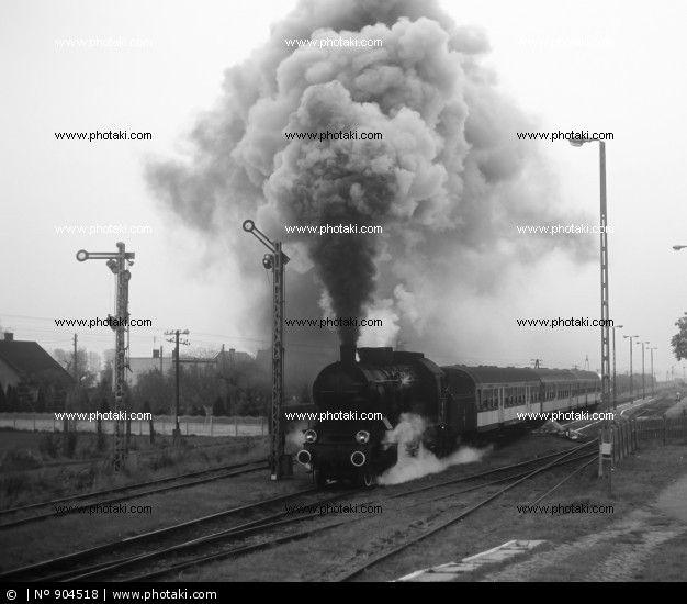 http://www.photaki.com/picture-old-retro-steam-train_904518.htm