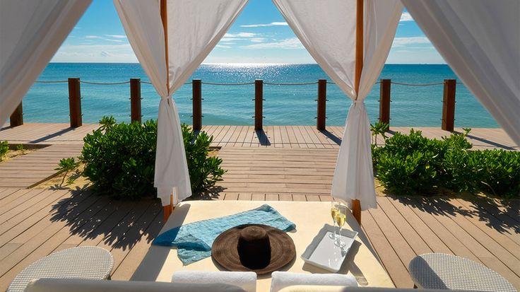 Ocean Casa del Mar: new resort in Cayo Santa Maria, #Cuba https://cubaholidays.co.uk/news/115296/ocean-casa-del-mar-new-resort-in-cayo-santa-maria H10 Hotels has opened its fourth resort in Cuba, adding to a new total of 2,007 rooms distributed around the country. The new buildings are located 350 km east of Havana in the province of Villa Clara, in an offshore key that's part of a natural protected area listed as a UNESCO Biosphere Reserve...