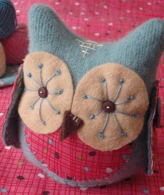 Cute felt owl Ideas, Little Owls, Old Sweaters, Fabrics Owls, Felt Owls, Cute Owls, Scrap Fabrics, Pillows, Crafts