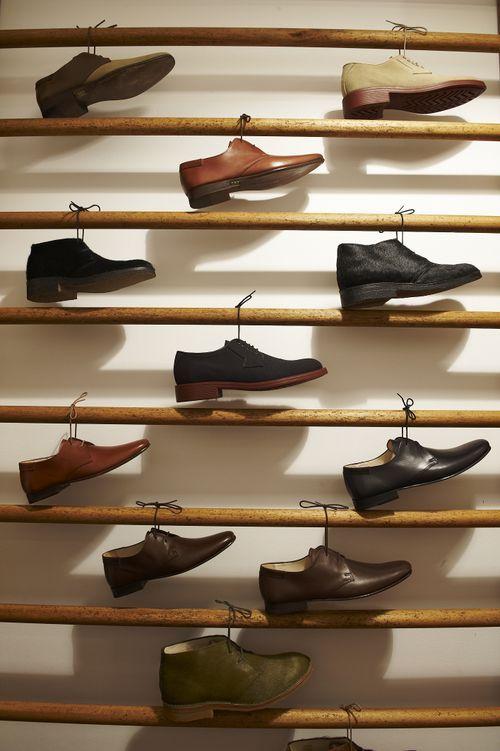 Originele #winkel presentatie van schoenen, of andere dingen die aan een strikje kunnen hangen natuurlijk.