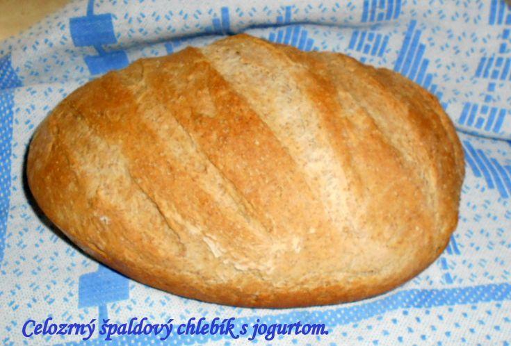 Fotorecept: Celozrnný špaldový chlebík s jogurtom