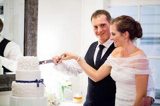 Liz and Jarryd, cake cutting, weddings at tiffanys, Karen Buckle Photography, beautiful cake by Sunny Girl Cakes