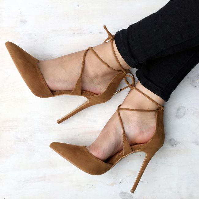 The Weekender: Tan Suede Heels