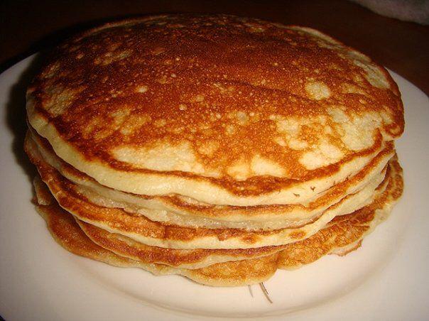 Белковые блины-рулет :  3 яйца : взбить отдельно: -белок (хорошо взбить) -желтки + 1ч.л. разрыхлителя, 2 ст. ложки обезжиренного творога -белки в желтки  На силиконовый коврик или пергамент выкладываем не сильно тонко (прямоугольником) в духовку 160 градусов 12-15 мин. Его надо остудить.  > Начинка: >обезжиренный творог - 4 ст.л  + ванилин+ +сахарозаменитель взбить > отвареая грудка +творог+ укроп, зелень+ соль+перец  > куриная печенка : отварить + творг+соль+перец+ отворное яйцо  Положить в…