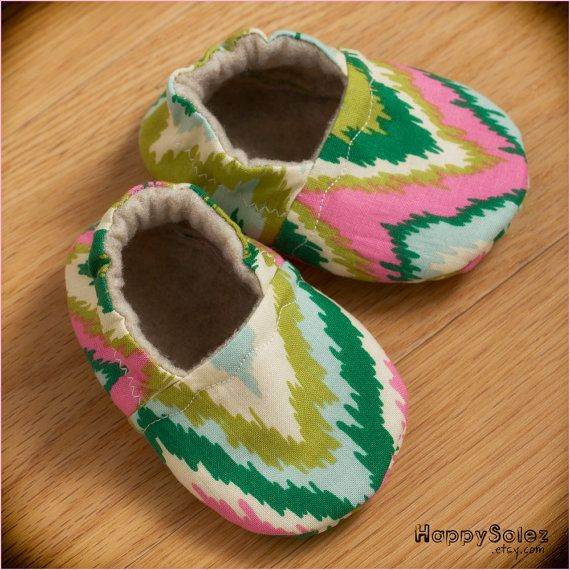 Ikat Zig Zag Eco Friendly Baby Booties (0-6 months)