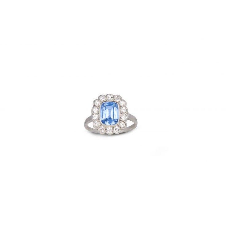 51678 Ceylon Sapphire And Diamond Ring