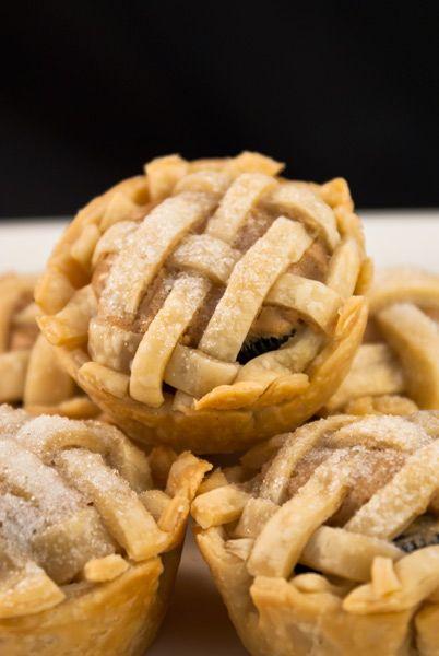 Oreo Peanut Butter Mini Pies-oh my gosh oh my gosh oh my gosh