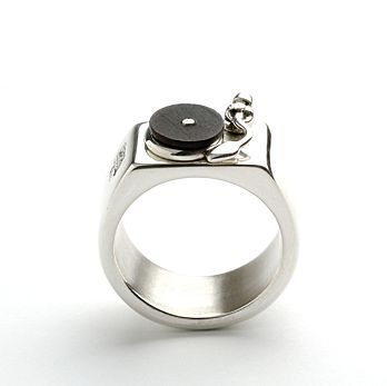 Limited edition turntable ring by Darkcloud