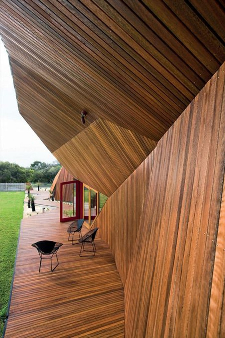 wood-architecture-of-veranda