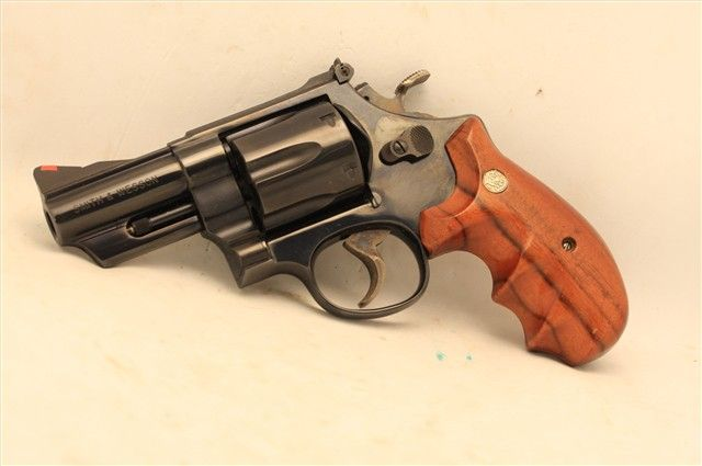 SMITH AND WESSON RARE 29-3 44 Magnum 3 inch