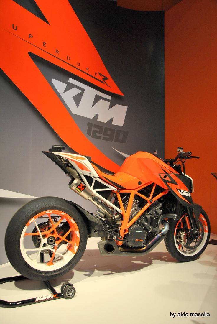 KTM: aggressive!