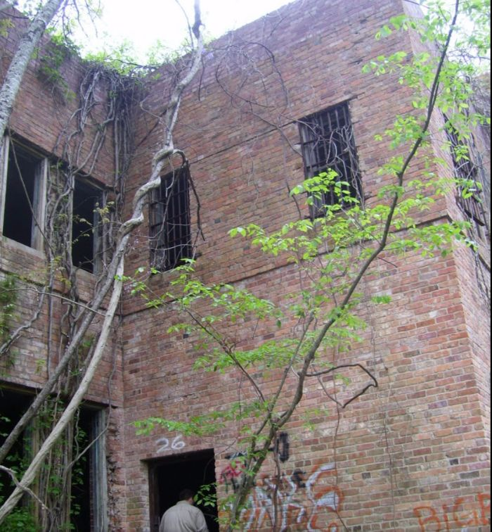 199 Best Images About Haunted Houses & Places On Pinterest