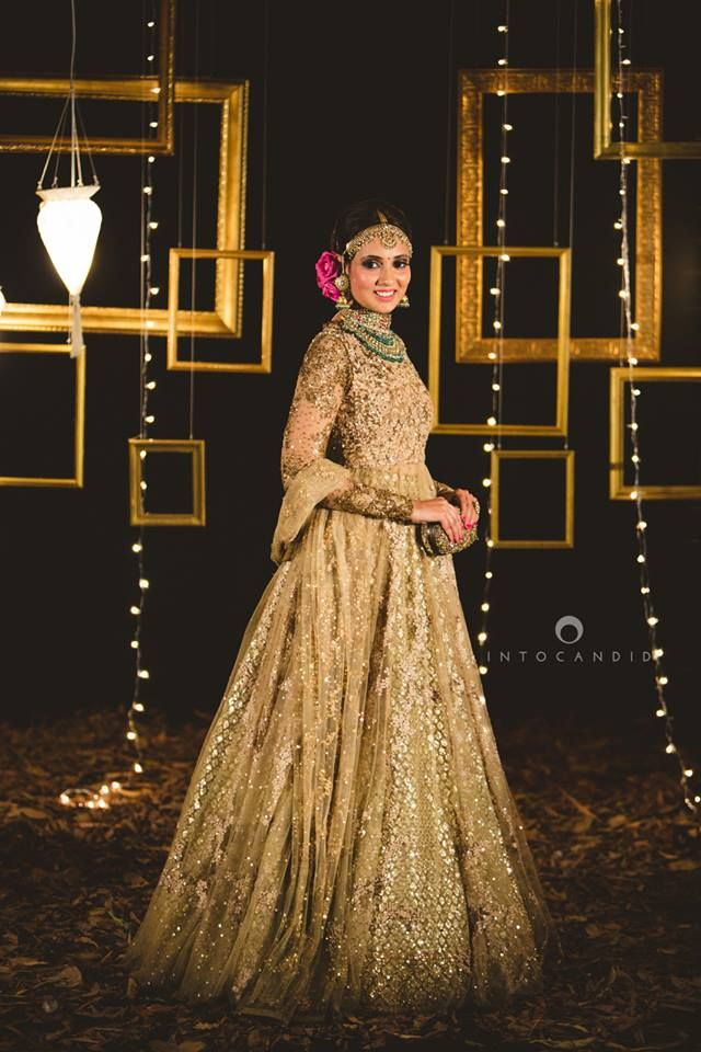 Indian Bride donning a Sabyasachi Lengha | Into Candid Photography