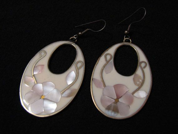 Vintage Alpaca Mexico Silver Tone Oval Inlaid White by ditbge, $18.99