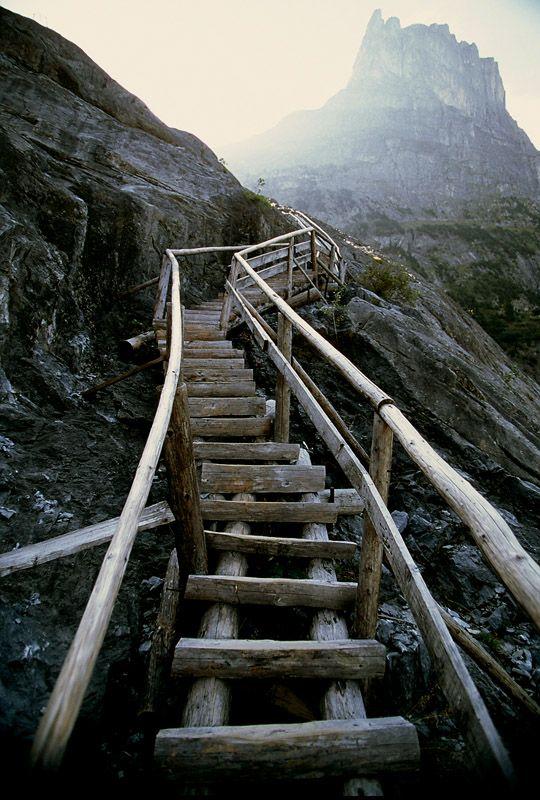 Stairway to Mordor, Grindelwald, Switzerland, ik heb hem gelopen, samen met Famke. Gaaf hoor!!!!!!!! Stalen zenuwen zijn gevraagd .