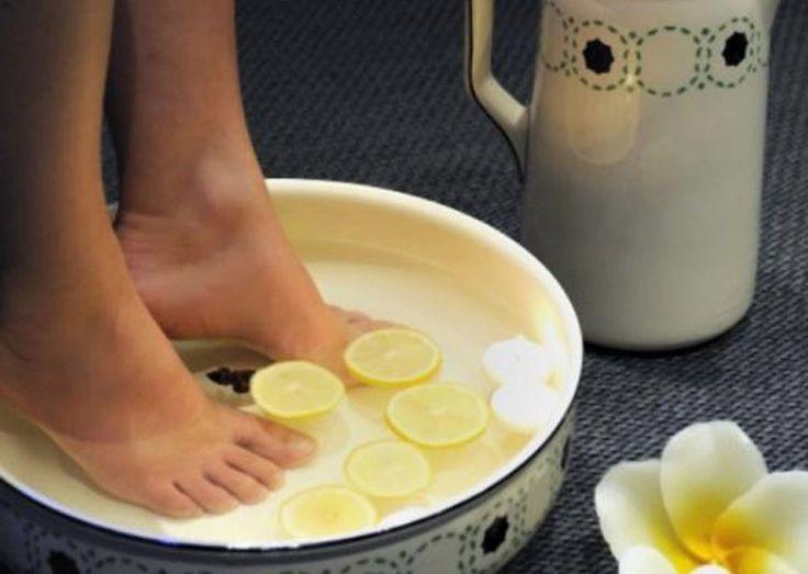 Pour enlever efficacement la corne de vos pieds, voici three remèdes de grand-mère