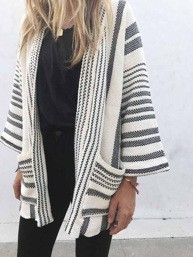 This cardigan is fabulous! Love that this can jazz up an otherwise simple outfit.