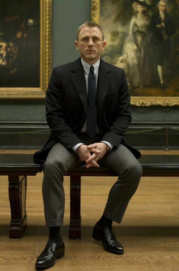 """Bond at an art museum :) Imagine Giuliano sitting next to him and talking about art quickly and Bond just sitting there and staring at the painting and not catching any of it! But of course he sees someone move across the room and suddenly rushes in to action; """"we're leaving"""" """"What? I was just-"""" """"Come."""" """"But it's Botticelli!"""" """"Shut up you're going to get yourself killed."""""""