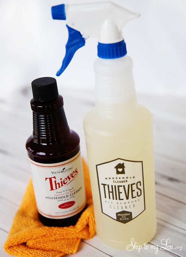 How To Make Thieves All Purpose Household Cleaner. Free printable labels #print #clean skiptomylou.org