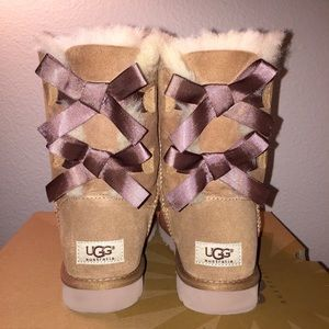 UGG Shoes - NWT UGG Bailey Bow Boots - Chestnut