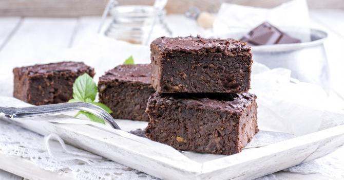 Recette de Brownies minceur au Thermomix®. Facile et rapide à réaliser, goûteuse et diététique. Ingrédients, préparation et recettes associées.