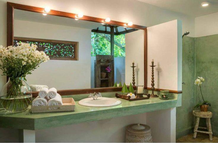 Tropical | Bathroom | Puri Sayan | Bali | Skylight Architecture