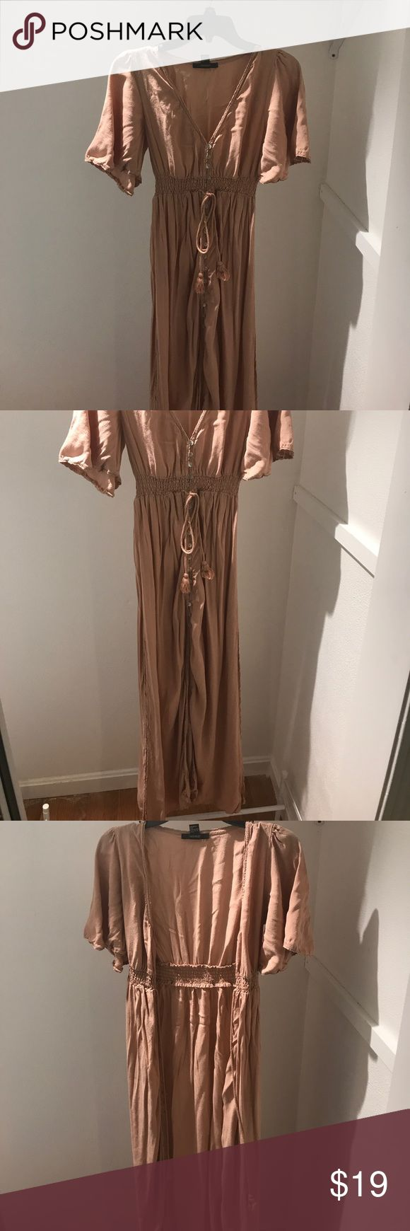 Peach Coachella Dress & Duster Brand new w/ out tags, never worn. Tag says large but best fits a med if worn as dress & large if worn as duster, I'm about 5'7 & it reached my ankles ....(The more you buy, the more I lower my prices so bundle & save!!) Forever 21 Dresses Maxi