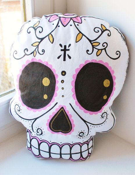 Mexican skull pillow II