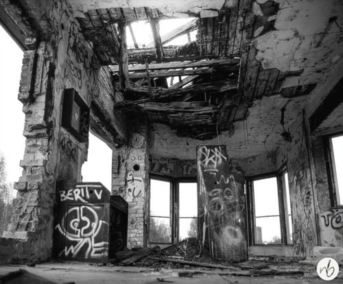 Best Beautiful Decay Images On Pinterest Abandoned Places - Photographer captures abandoned worlds time forgot