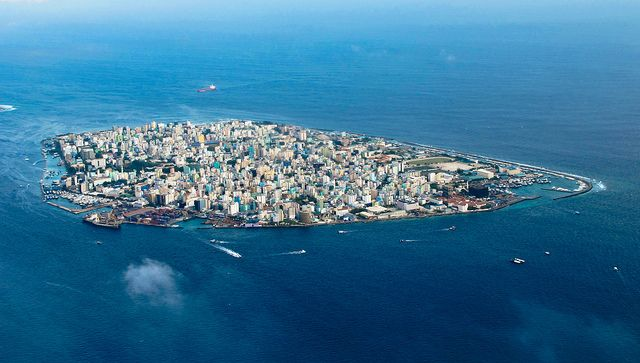 Male' - Congested capital [i], via Flickr.