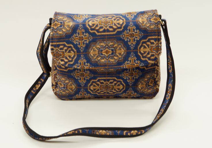 Carpet Bags Celia Shoulder Bag Blue Chiraz