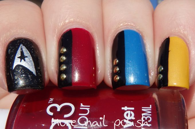 Star Trek nails! http://www.morenailpolish.com/2015/10/40-great-nail-art-ideas-geeks-star-trek.html