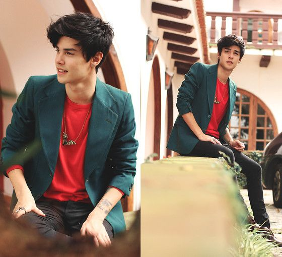 The way we get by (by Vini Uehara) http://lookbook.nu/look/4777701-Merrin-And-Gussy-The-Night-Creeper-Pendant-Zara