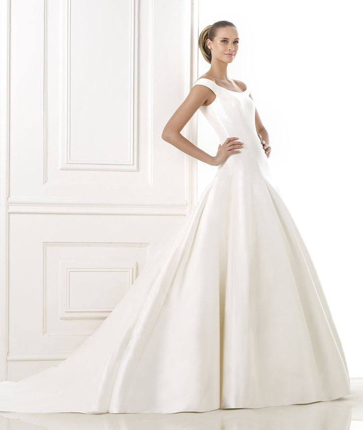 100 best images about pronovias 2015 on pinterest for Around the neck wedding dresses