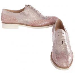 roze Tine's schoenen