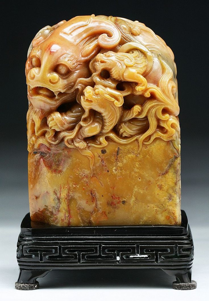 A fine chinese antique shoushan soapstone seal presented