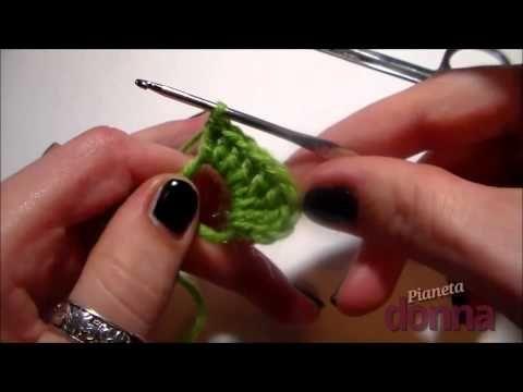 Come realizzare un cuoricino all'uncinetto - Tutorial - YouTube