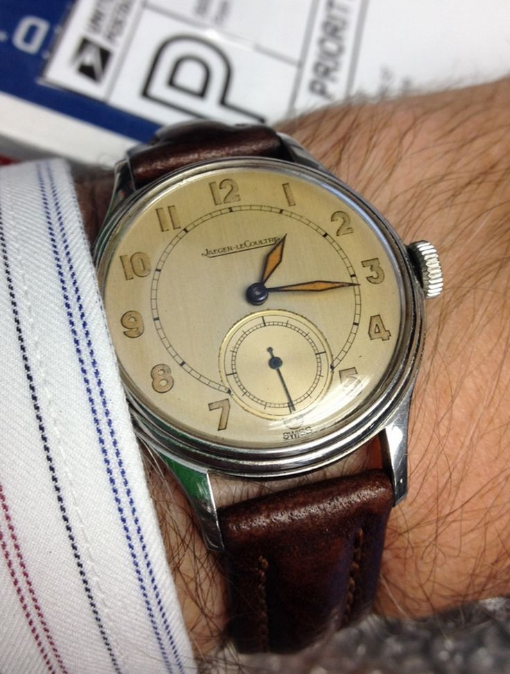 Vintage Jaeger LeCoultre Hand-Wound Dress Watch In ...