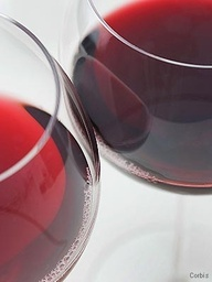 a research on red wine lowering the risk of heart disease Red wine has drawn lots of attention for its research-backed potential to lower the risk of heart disease and lengthen your lifespan does white wine have the same benefits.