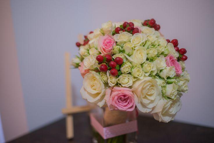 Buchete, corsaje, lumanari by Style Events http://www.style-events.ro