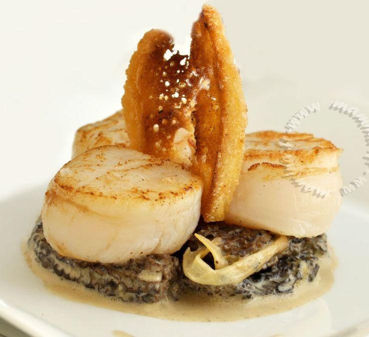 Parce que j'ai été faire la Dolce Vita à Spoleto, parce que je pars au Salon du blog culinaire où les Saint-Jacques auront une place de choix accompagnées d'un peu de caviar... et donc parce que, quand on est pas chez soi, on n'a pas le temps de cuisiner,...