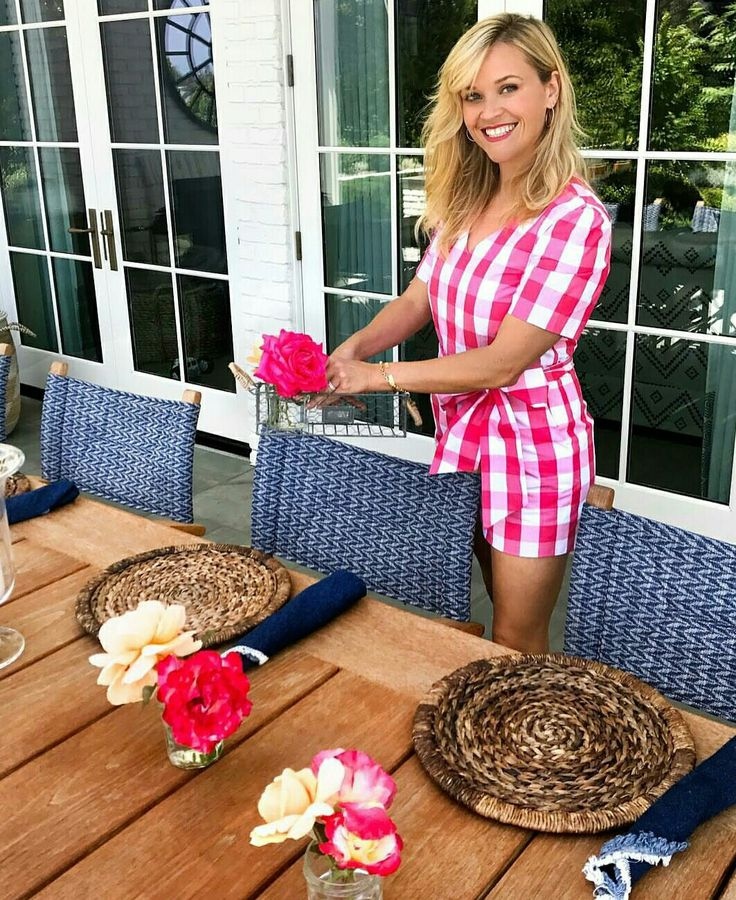 Reese Witherspoon/housewife