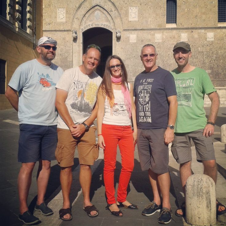 "Tour Guide Siena su Twitter: ""This is a men's group. .nice British bike lovers visiting #siena #tuscany #eroica https://t.co/dl8KM1azSa"""