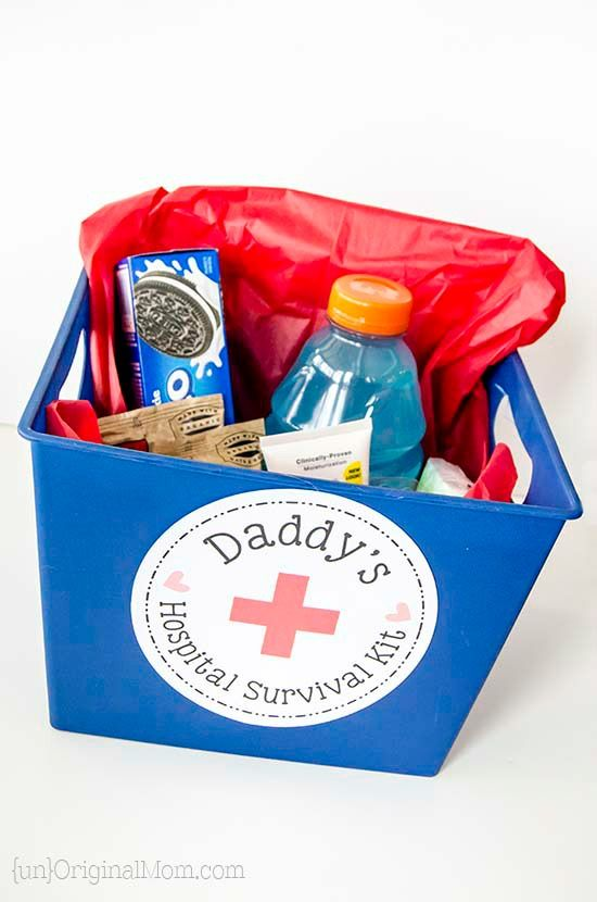 "Put together a small ""hospital survival kit""  for the daddy-to-be - a great list of things to include in daddy's hospital bag!  (includes a free printable label!) 