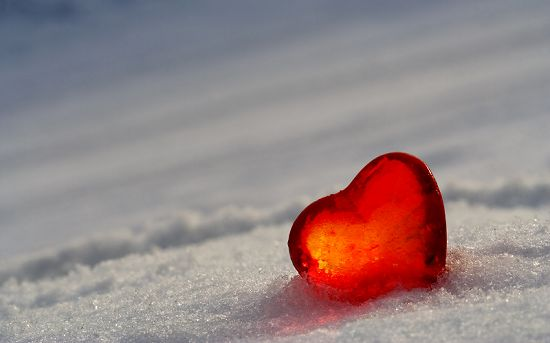 Now, a study from researchers at the University of Manitoba has shown that cold weather is associated with a higher risk of severe heart attack.  The team state that their six year study found that each 10°C drop in temperature was associated with a 7% increased risk of ST-elevation myocardial infarction (STEMI), the most severe form of heart attack.