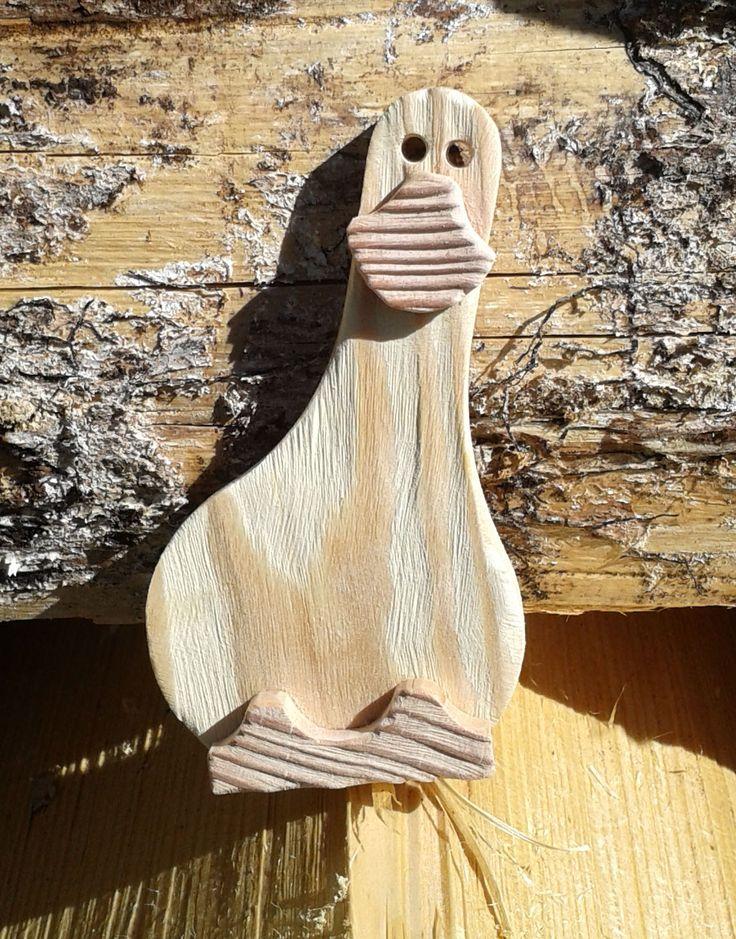 """164 oca gadget. Questa simapatica oca in legno di abete e larice. è stata realizzata su richiesta del negozio """"L'angolo di casa"""", come regalo per i clienti."""