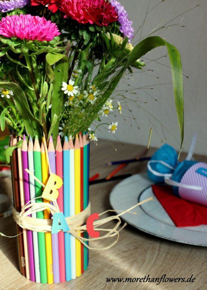 Ihr seid noch auf der Suche nach der passenden Tischdeko für den Schulanfang? Auf dem Blog stelle ich Euch ein paar farbenfrohe Ideen vor.