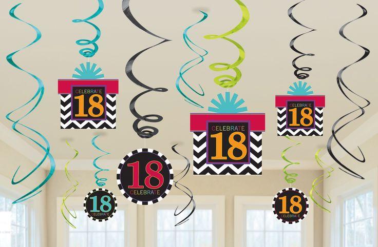Świderki urodzinowe na 18-te urodziny składające się z 12 wiszących elementów.  Doskonałe do dekoracji na 18-tkę.
