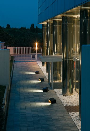 17 best images about tuin en terras on pinterest floor lamps design and tuin - Outdoor licht tuin ...